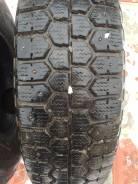 Bridgestone WT14. Зимние, шипованные, 2014 год, износ: 10%, 4 шт