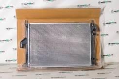 Радиатор охлаждения двигателя. Лада Ларгус Renault Logan