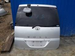 Дверь багажника. Toyota Voxy, AZR65, AZR65G