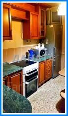 2-комнатная, улица Ладыгина 2. 64, 71 микрорайоны, агентство, 54кв.м. Кухня