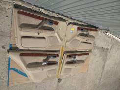 Обшивка двери. Toyota Crown Majesta, UZS171, JZS177, UZS175