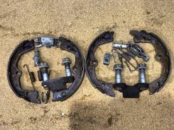 Колодка стояночного тормоза. Acura Legend Acura RL Honda Legend, KB1, KB2 Двигатели: J37A3, J35A8