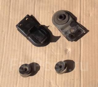 Крепление радиатора. Mitsubishi Pajero iO, H76W, H66W, H61W, H67W, H62W, H71W, H77W, H72W Mitsubishi Pajero Pinin, H77W, H76W Двигатели: 4G94, 4G93, G...