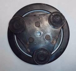 Шкив компрессора кондиционера. Mazda Demio, DE5FS, DY3R, DY3W, DW3W, DY5R, DY5W, DE3AS, DE3FS, DW5W Mazda Verisa, DC5W, DC5R Двигатели: B3ME, B3E