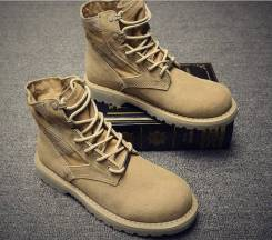 Ботинки. 44