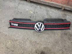 Решетка радиатора. Volkswagen Golf, 5K1 Двигатели: CBZA, BSF, CAVD, CBAB, CAYB, CCZB, CRZA, CBDC, CBAA, CDLG, CHGA, CDLC, CAYC, CBZB, BSE, CLCA, CCSA...