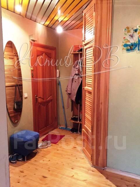 2-комнатная, улица Мусоргского 15ж. Седанка, проверенное агентство, 38кв.м. Прихожая