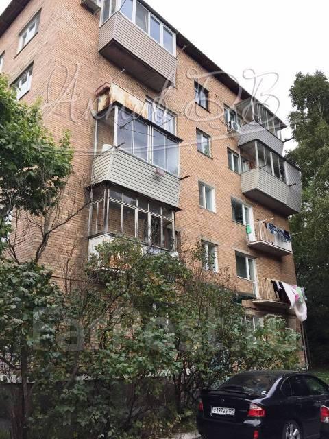 2-комнатная, улица Мусоргского 15ж. Седанка, проверенное агентство, 38 кв.м. Дом снаружи