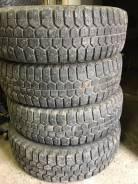 Bridgestone WT14. Зимние, шипованные, износ: 30%, 4 шт