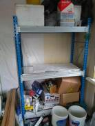 Шкафы и стеллажи.