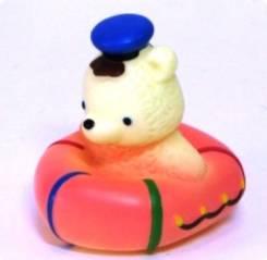 Мишка в лодке ПВХ, 9 см., пакет