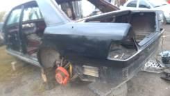 Задняя часть автомобиля. Mercedes-Benz E-Class, W124