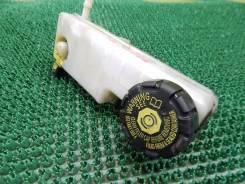 Бачок для тормозной жидкости. Renault Megane Двигатели: M4R, H5F, K4M, M9R, F4R, K9K, H4J, F9Q