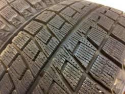 Bridgestone Blizzak Revo2. Зимние, без шипов, 2012 год, без износа, 2 шт