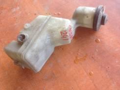 Бачок для тормозной жидкости. Toyota Caldina, AZT241W, AZT241 Двигатель 1AZFSE