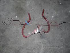 Крепление крышки багажника. Nissan Sunny