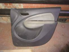 Обшивка двери. Citroen C3 Picasso