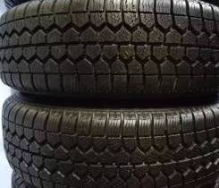 Bridgestone WT11. Зимние, без шипов, 2015 год, износ: 20%, 2 шт