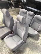 Крышка петли сиденья. Toyota Hilux Surf