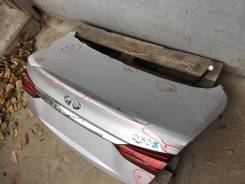 Крышка багажника. Infiniti