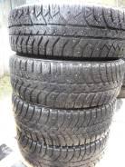Bridgestone Ice Cruiser. Зимние, шипованные, 2016 год, износ: 10%, 4 шт