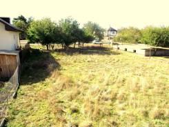 Продается земельный участок. 800 кв.м., собственность, электричество, вода, от агентства недвижимости (посредник)
