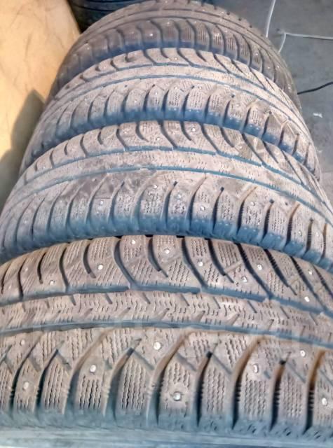 Bridgestone Ice Cruiser 5000. Зимние, шипованные, 2014 год, износ: 50%, 4 шт
