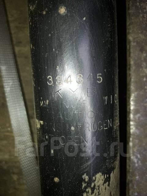 Амортизатор. Subaru Forester, SG5, SG Двигатели: EJ202, EJ205