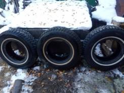 Bridgestone WT14. Зимние, шипованные, износ: 30%, 3 шт