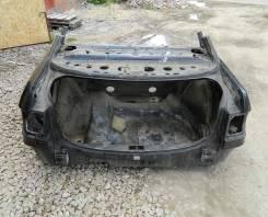 Задняя часть автомобиля. Audi 80