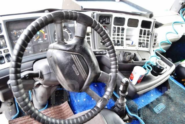 Scania R124. Седельный тягач Topline. Год выпуска - 2000, 11 700 куб. см., 18 000 кг.