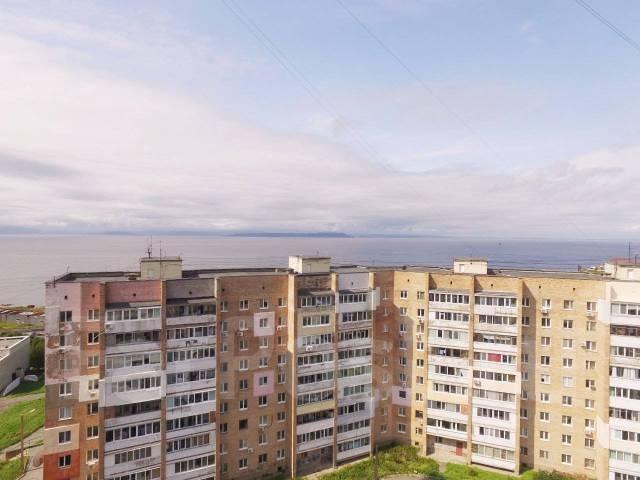 4-комнатная, улица Леонова 70. Эгершельд, застройщик, 71 кв.м. Вид из окна днём