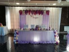 Оформление зала воздушными шарами, тканями, свадебный декор.