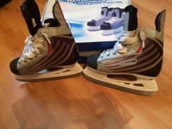 Коньки хоккейные. 34