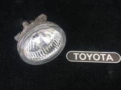 Фара противотуманная. Toyota Prius