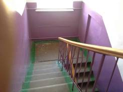 2-комнатная, с.Полётное улица Ленина 4. р-н им.Лазо, агентство, 40 кв.м. Подъезд внутри