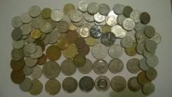 100 иностранных монет и жетонов - мини коллекция , есть интересные !