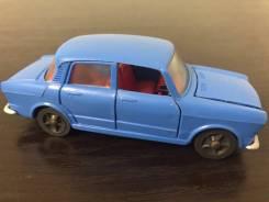 Модель автомобиля игрушка СССР Фиат Fiat 1100 R 1:43 ремейк.