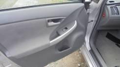 Петля дверная Toyota PRIUS