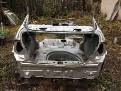 Задняя часть автомобиля. Toyota Prius, NHW11