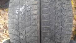 Bridgestone. Зимние, шипованные, износ: 30%, 2 шт