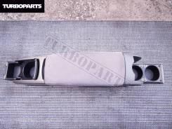 Подлокотник. Toyota Prius, NHW20