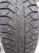 Bridgestone Ice Cruiser 7000. зимние, шипованные, 2015 год, б/у, износ 5%