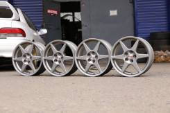 OZ Racing. 7.0x17, 5x114.30, ET40