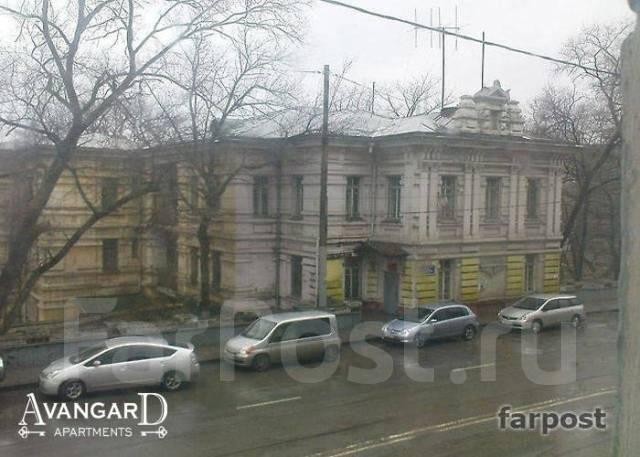2-комнатная, улица Светланская 117. Центр, 54 кв.м. Вид из окна днем