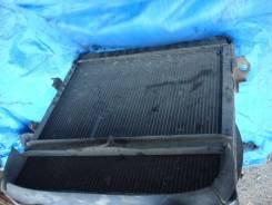 Радиатор охлаждения двигателя. Isuzu Elf, NHS69 Двигатель 4JG2