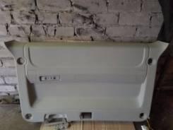 Обшивка двери багажника. Mitsubishi Delica D:5