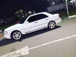 Mercedes. x18, 5x112.00