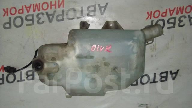Бачок стеклоомывателя. Honda Legend, KB1, KB2 Двигатели: J35A, J37A3, J37A