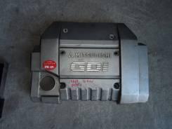 Крышка. Mitsubishi Chariot Grandis, N84W